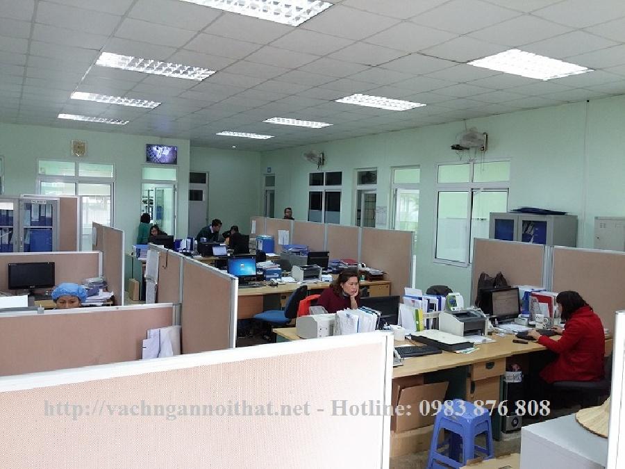 Thi công vách ngăn văn phòng nỉ VNN112 tại quận Hai Bà Trưng