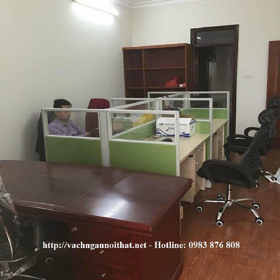 Vách ngăn nỉ kính cho 4 bàn làm việc văn phòng