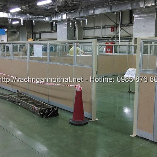 Thi công vách ngăn gỗ kính nhà xưởng khu công nghiệp
