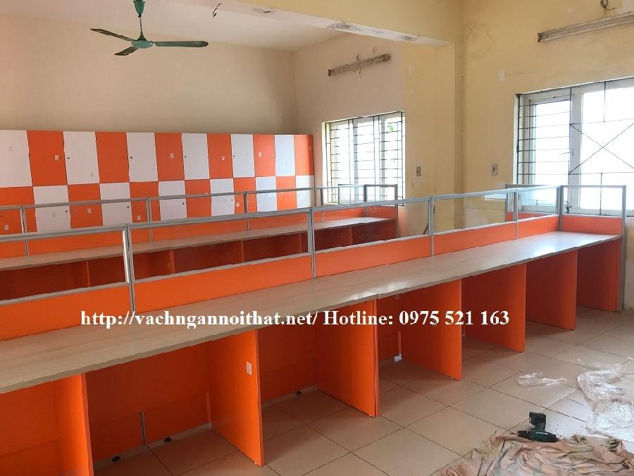 Lắp đặt vách ngăn văn phòng gỗ kính màu cam VNGK-C1