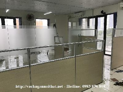 Thi công vách ngăn văn phòng gỗ kính - Anh Hiệp - Nguyễn Xiển