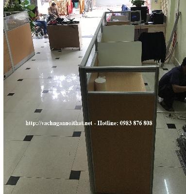 Thi công vách ngăn gỗ kính anh Khánh - Tam Trinh - quận Hoàng Mai