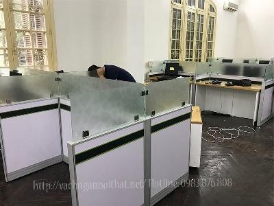 Mẫu vách ngăn bàn làm việc ngân hàng Vietcombank